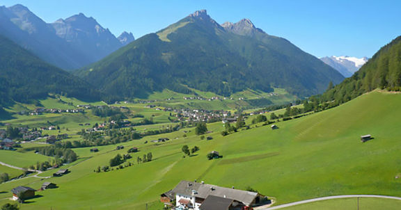 Panorama - Omesberger Hof in Neustift - Urlaub im Stubaital in Tirol