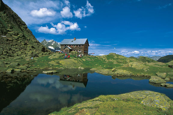 Mountain lakes summer, Omesberger Hof in Neustift – a holiday in the Stubai Valley in Tyrol